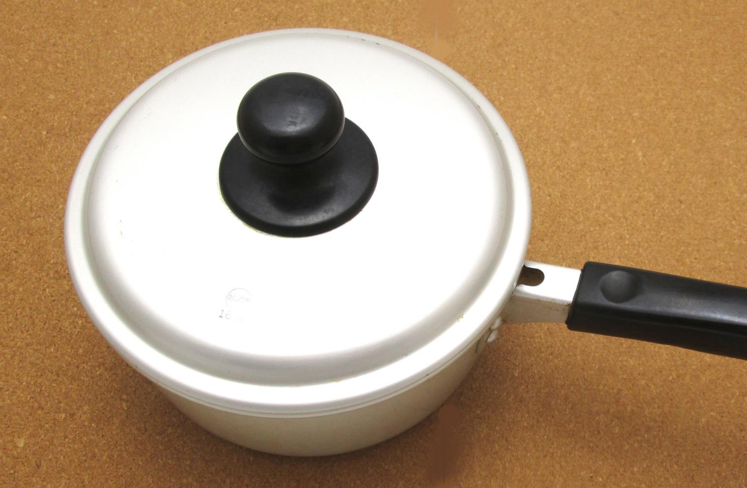 フェノール樹脂の例、鍋の蓋